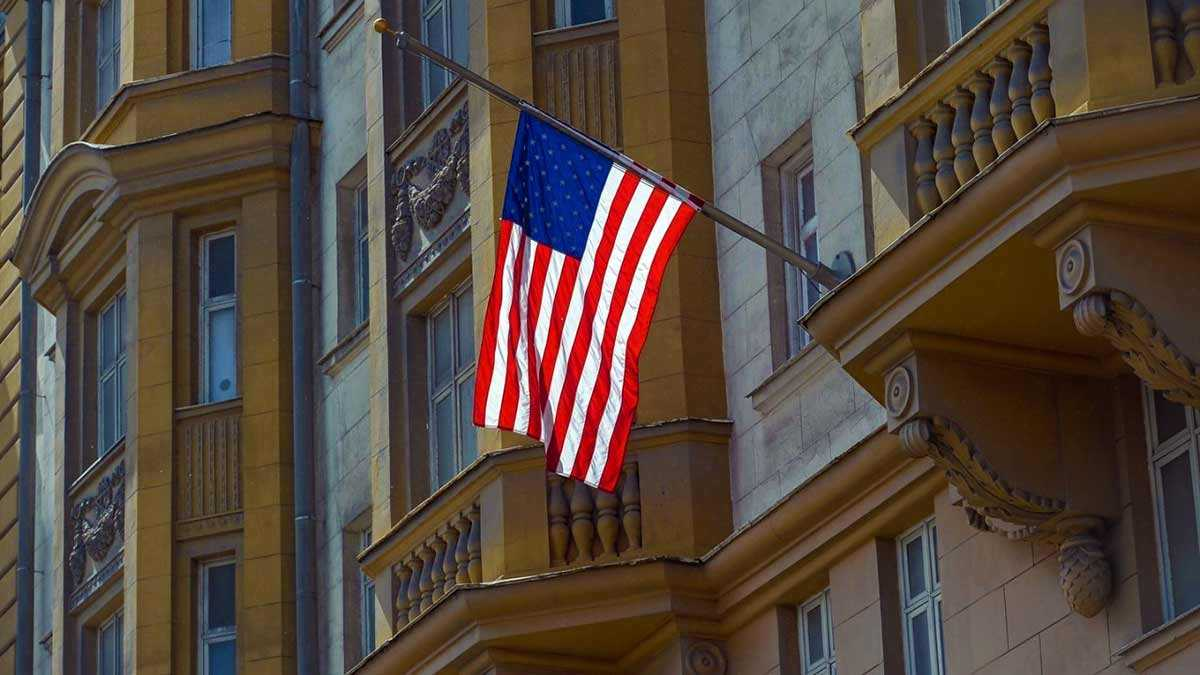 США — консульства