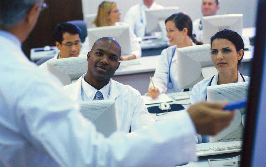 Сертификация врачей в Канаде