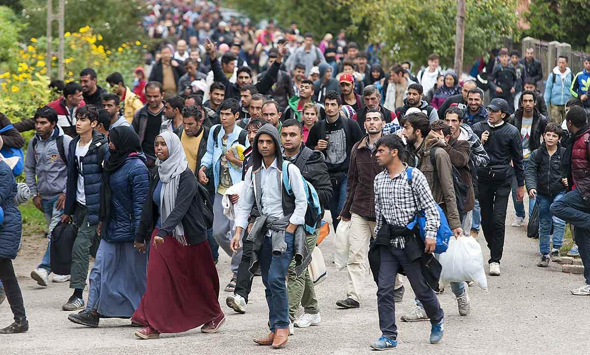 В Европе могут начать депортировать беженцев за посещение родины