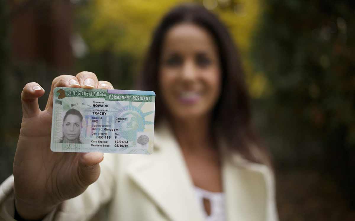 США ужесточают условия выдачи грин-карт