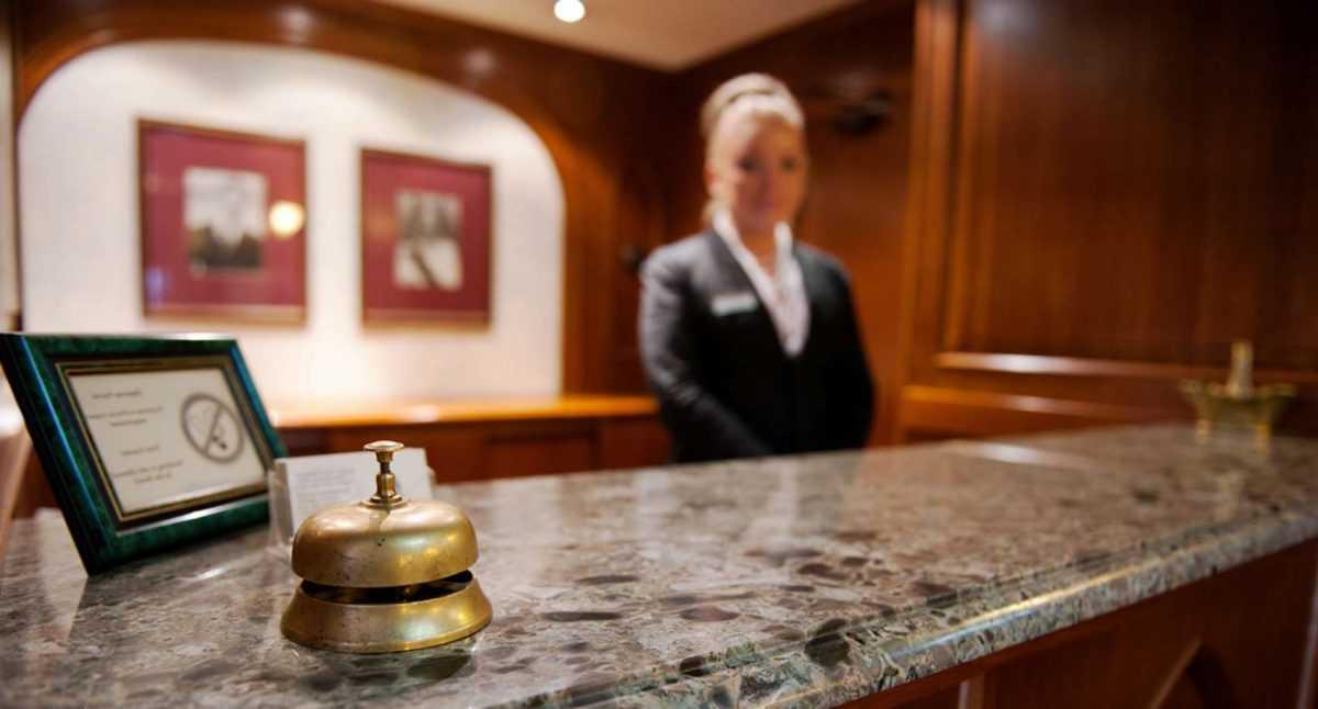 В Тунисе сотрудники отеля взяли в заложники туристов