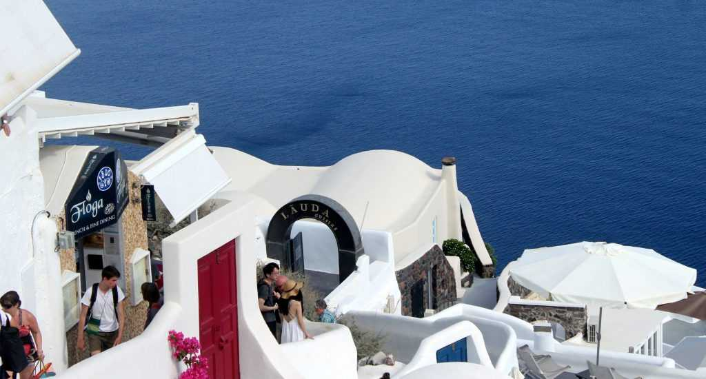 Греция открыта для туристов из России
