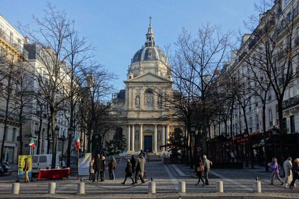 Университет Сорбонна во Франции