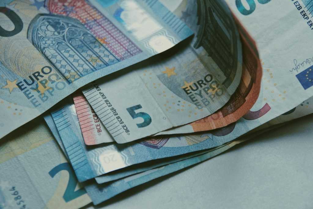 Стоимость ВНЖ в Греции