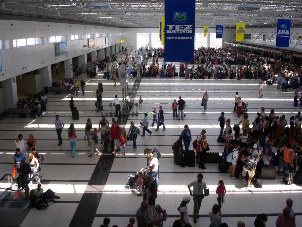 Что делать туристам, купившим путевки в Турцию или Танзанию?