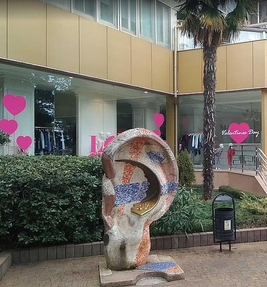 Скульптура «Ухо» в Сочи