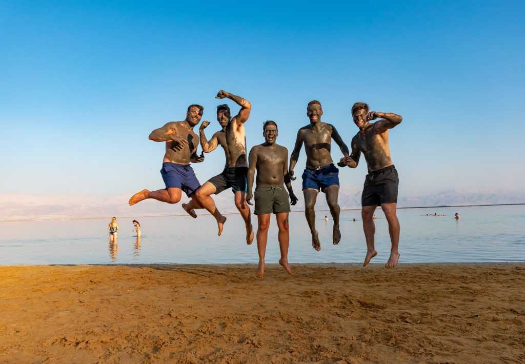 Чем полезна грязь Мертвого моря