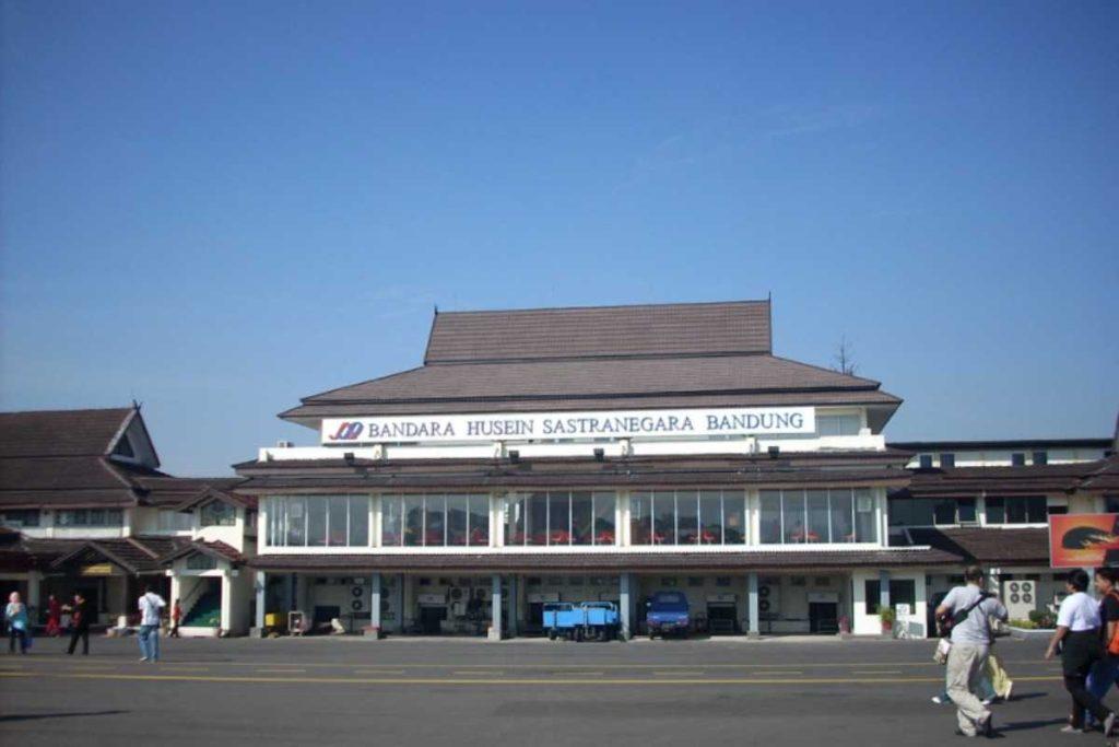 Онлайн табло аэропорта Бандунг