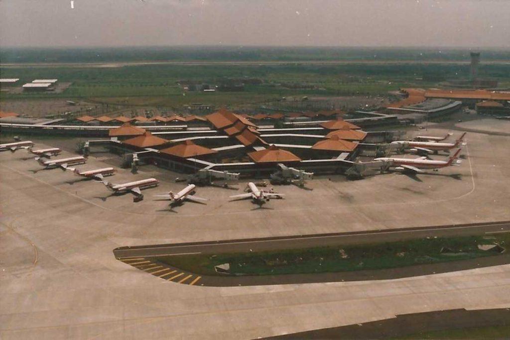 Онлайн табло аэропорта Сукарно-Хатта в Джакарте