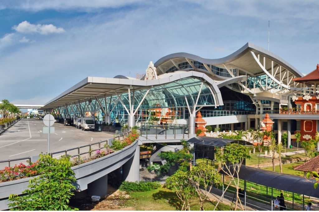 Онлайн табло аэропорта Нгура-Раи в Денпасаре