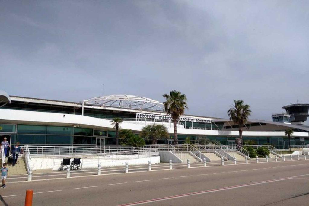 Онлайн табло аэропорта Аяччо